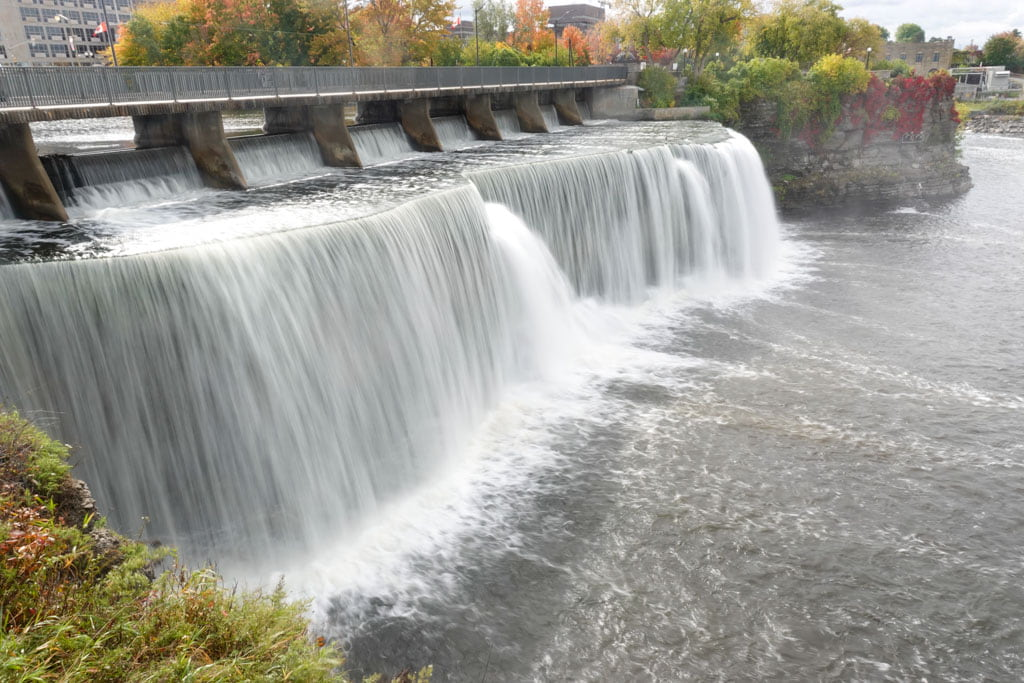 Dam and waterfalls Ottawa