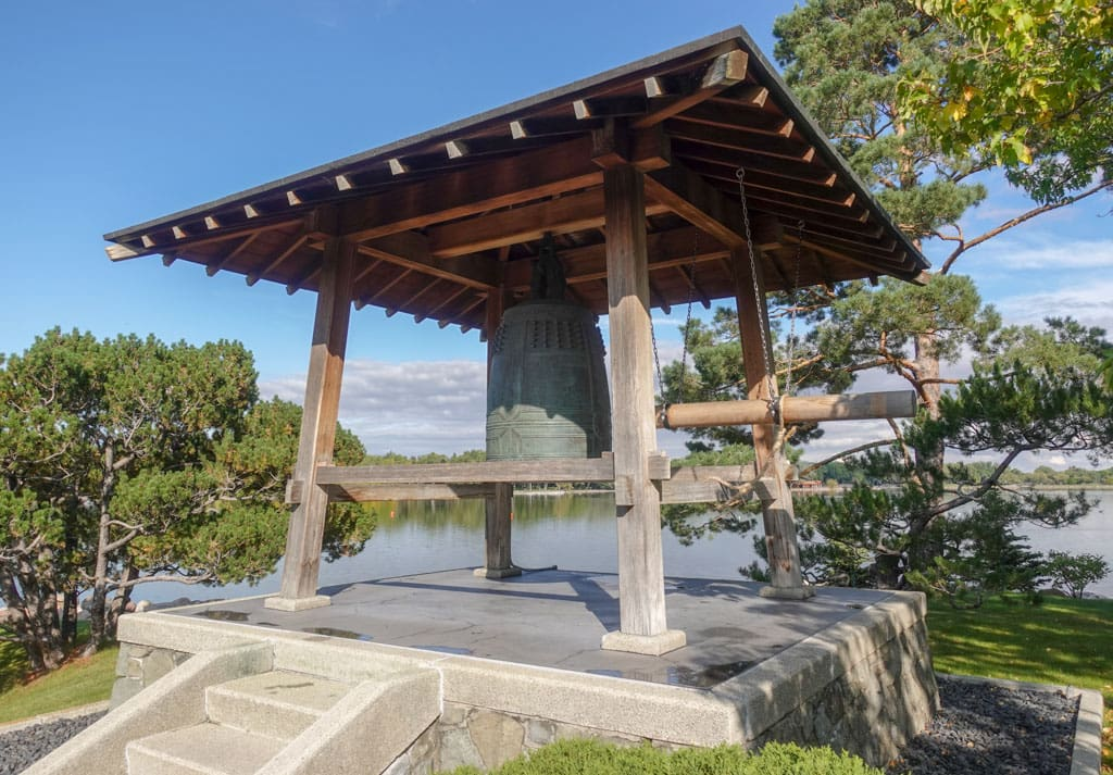 Japan-Canada Friendship Bell and ringer