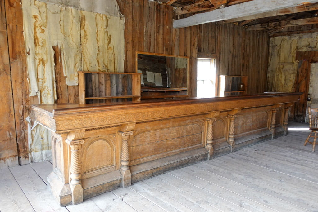 Long wooden bar in Skinner Saloon
