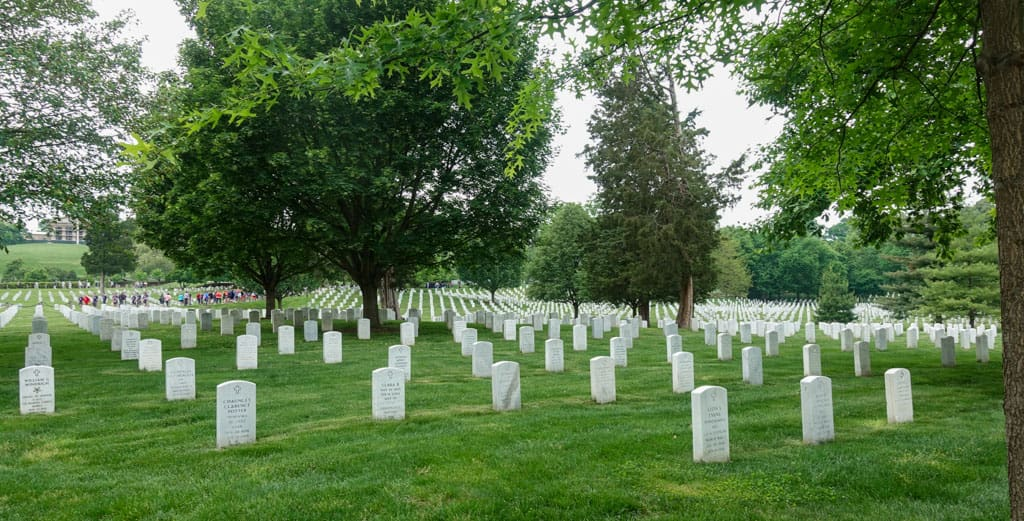 Rows of gravemarkers Arlington National Cemetery