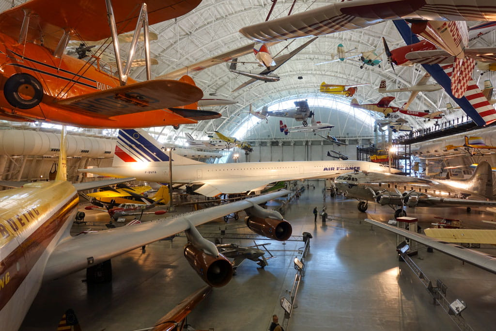 Many full-size aircraft Udvar-Hazy Center