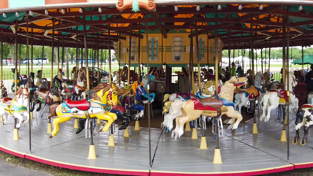 Carousel showing 4 horses abreast