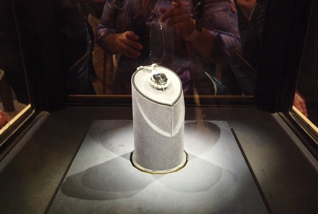 Hope Diamond display Natural History Museum