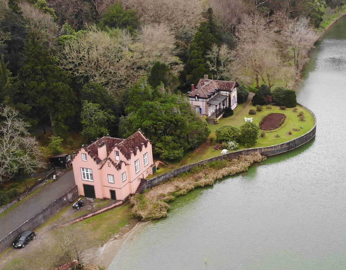 Aerial view 2 houses Furnas Lake