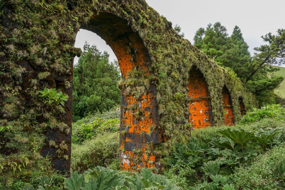 Closeup Coal Aqueduct Sete Cidades
