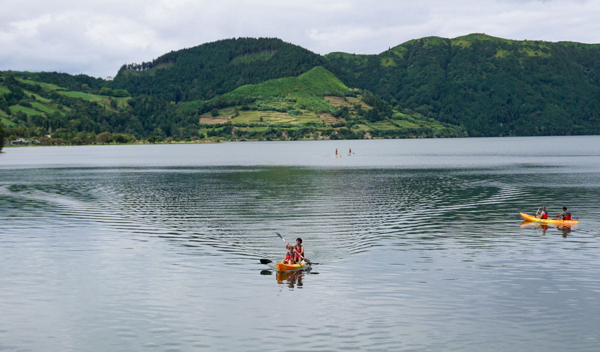 Kayakers Sete Cidades Lake