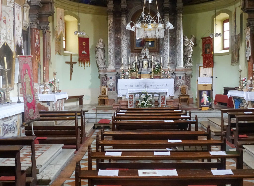 Pews and altar in St. Lawrence Church